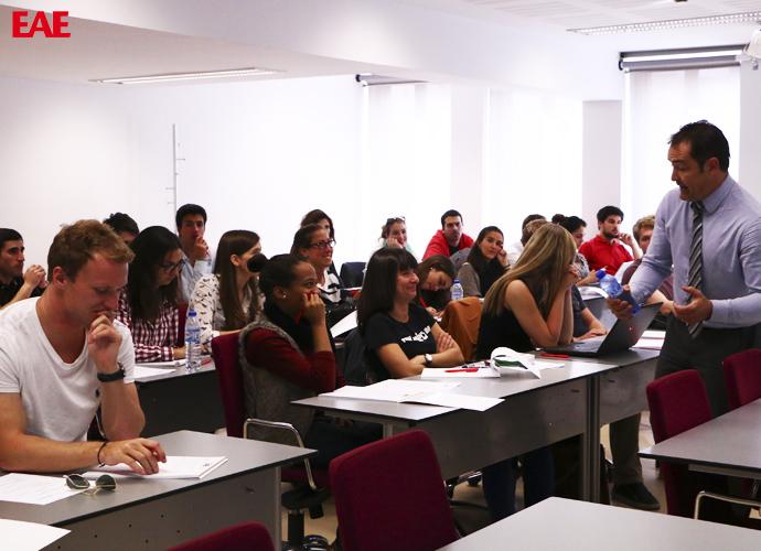 Alumnos ISCTE Universidad Lisboa realizan curso residencial en EAE Barcelona