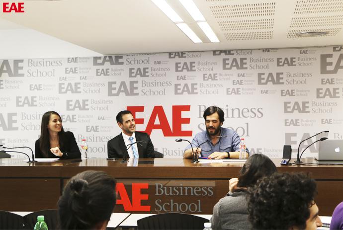 Gabriel García de Oro en una conferencia para alumnos de Marketing de EAE Business School