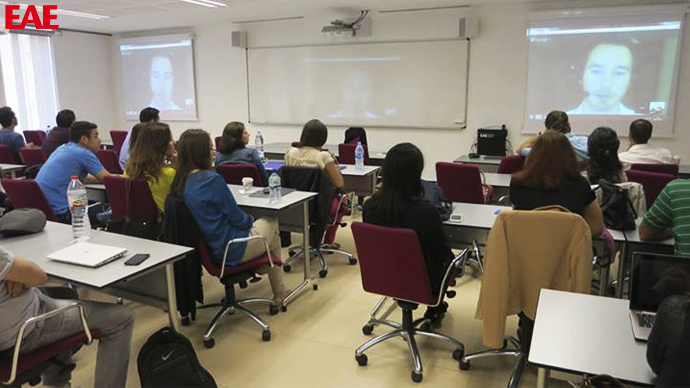 EAE students of International MBA in a videoclass with Paul Mestemaker