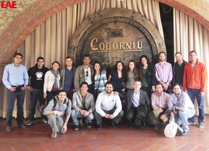 Visita alumnos de EAE Business School a las cavas de Codorníu Barcelona