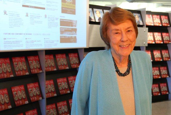 Lectura SRC Carol Loomis retires