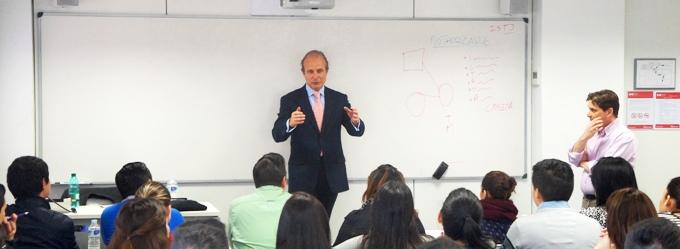 Francisco Bueno, CEO de la empresa Mothercare