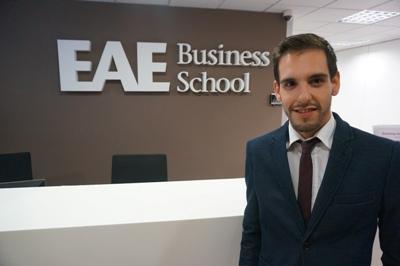 Daniel Uclés, Alumni de EAE